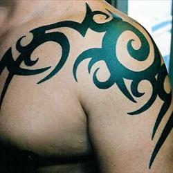 Le nuove tecniche per cancellare i tatuaggi
